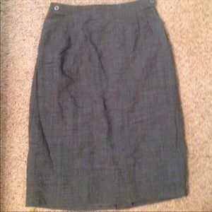 JH Collectibles gray skirt